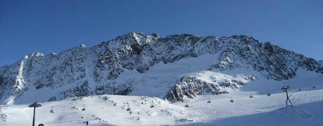 Skifahren und Feiern über Fasching