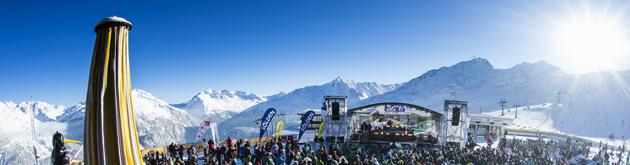 Blick vom Stubaier Gletscher auf die Skigebiete von Sölden